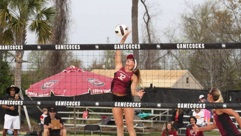 Horton, Goncalves lead No. 4 Beach Volleyball on Day 1 at Grand Slam