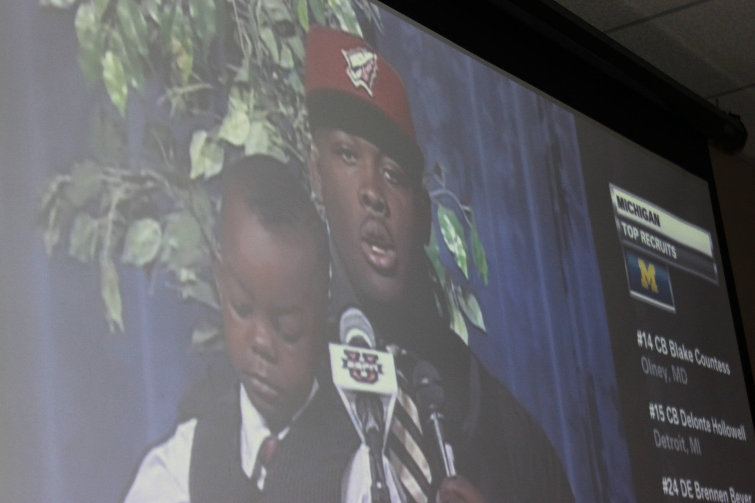 Tim Jernigan with his nephew announces he will be a Seminole in 2011