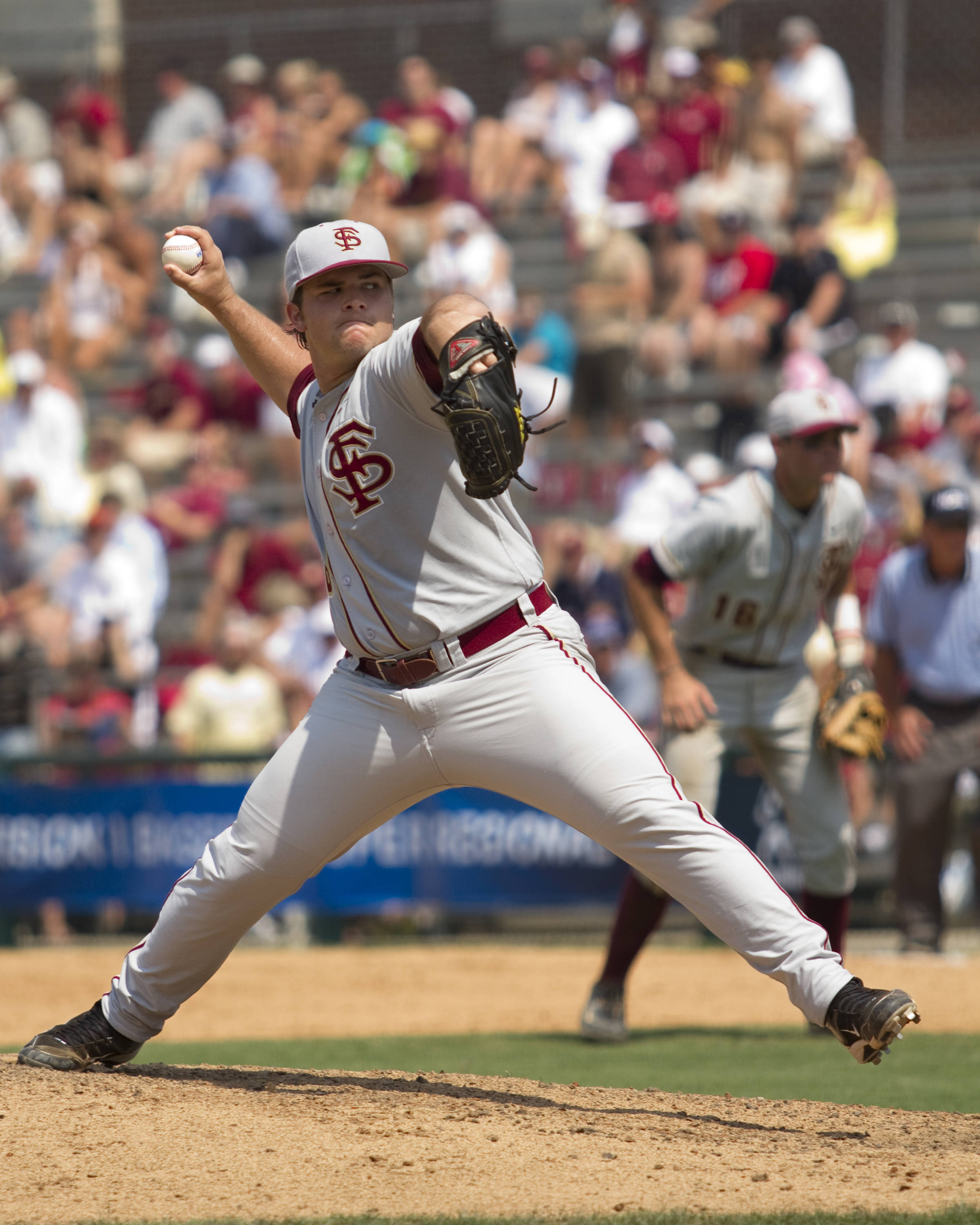 Scott Sitz (26) pitches for FSU in the bottom of the eighth inning.