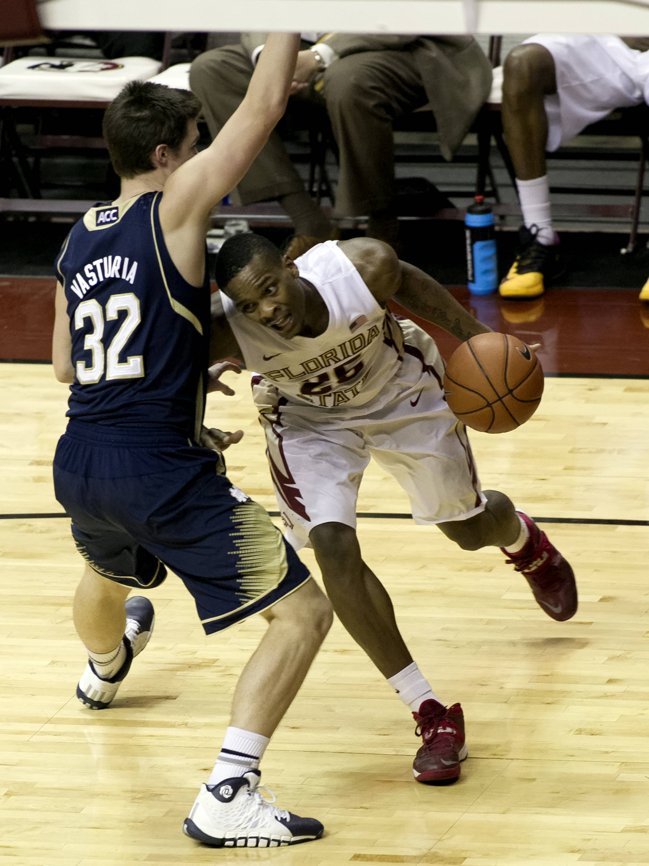 Aaron Thomas (25) fighting on the drive to the basket, FSU vs Notre Dame, 1-21-14, (Photo's by Steve Musco)