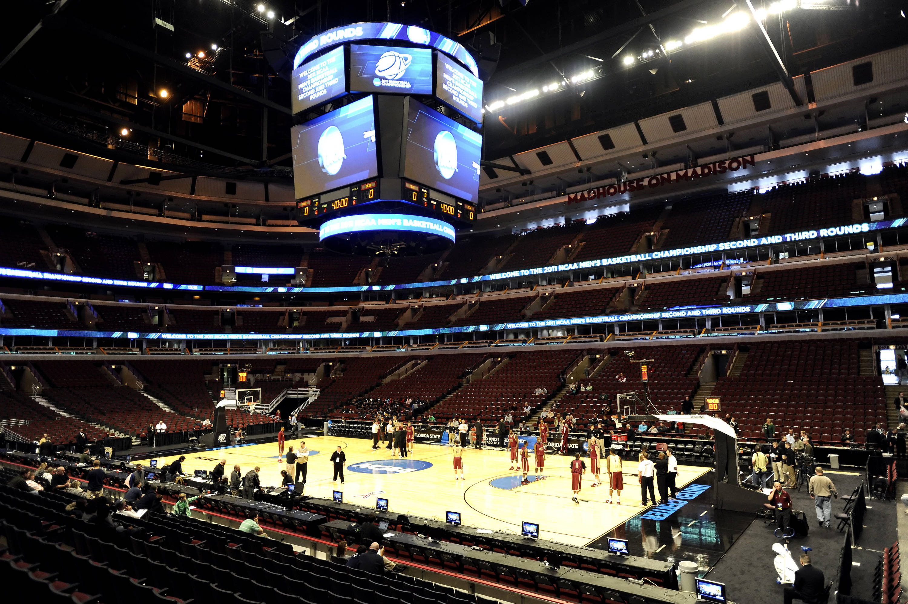 The Seminoles begin practice at the United Center