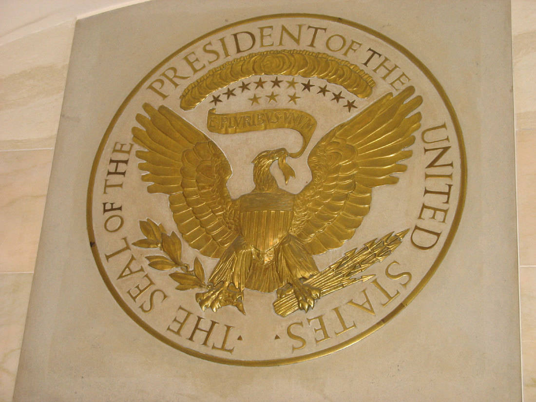 presidential seal in white house