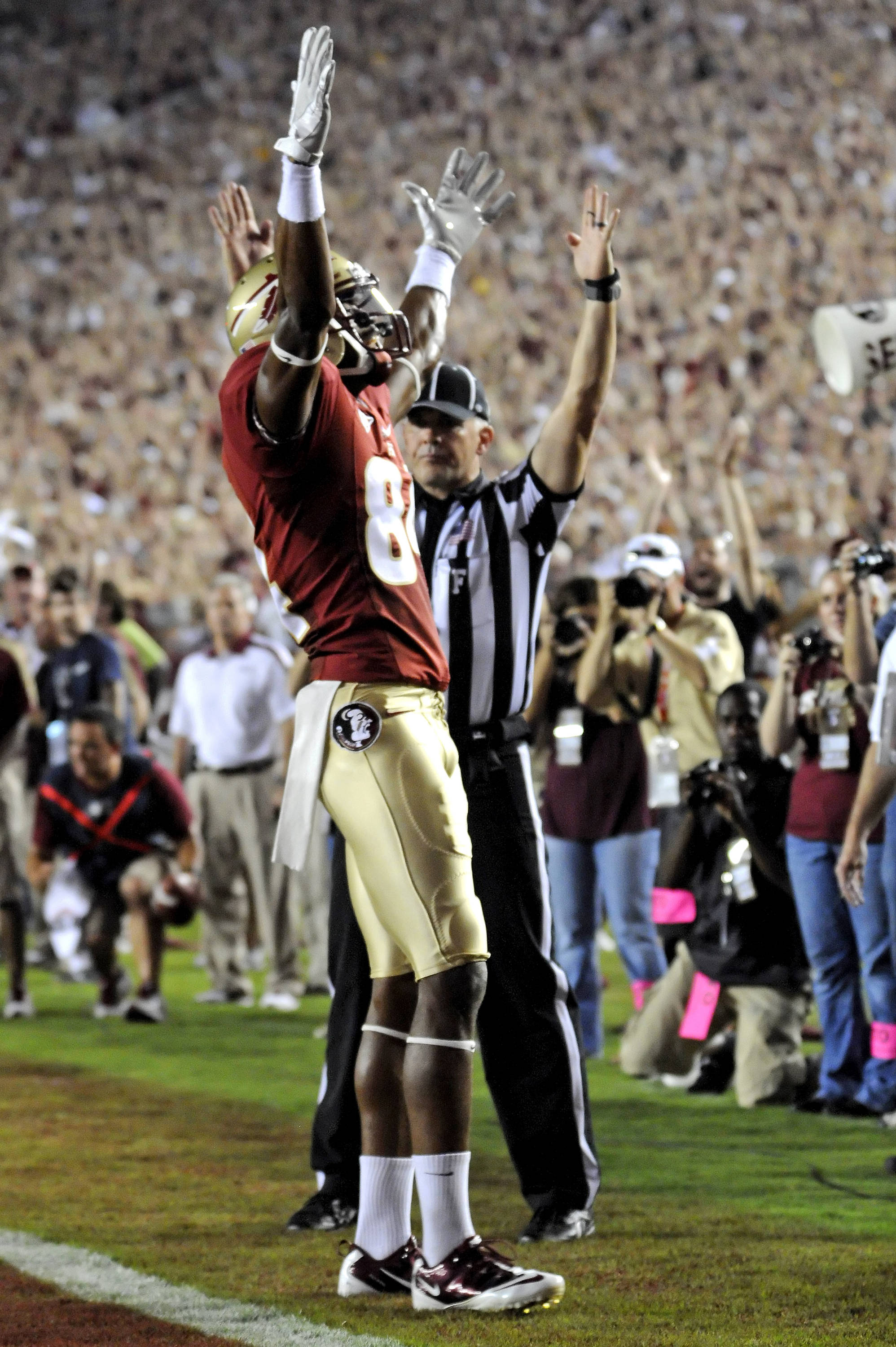 Rashad Greene (80) celebrates his 52-yard TD catch against Oklahoma.  The crowd went nuts in Tallahassee.