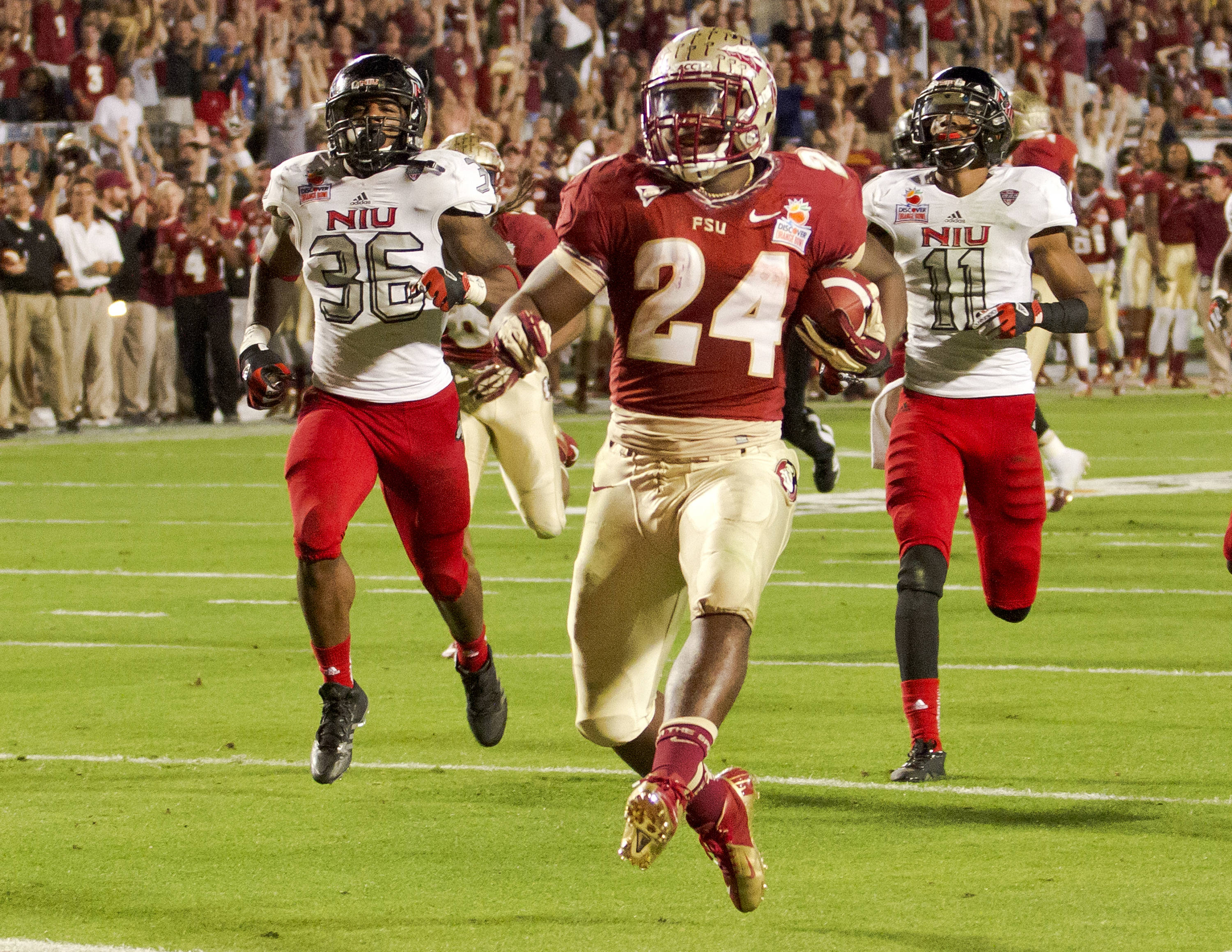 Lonnie Pryor scoring his second touchdown, FSU vs No. Illinois, 01/01/13. (Photo by Steve Musco)