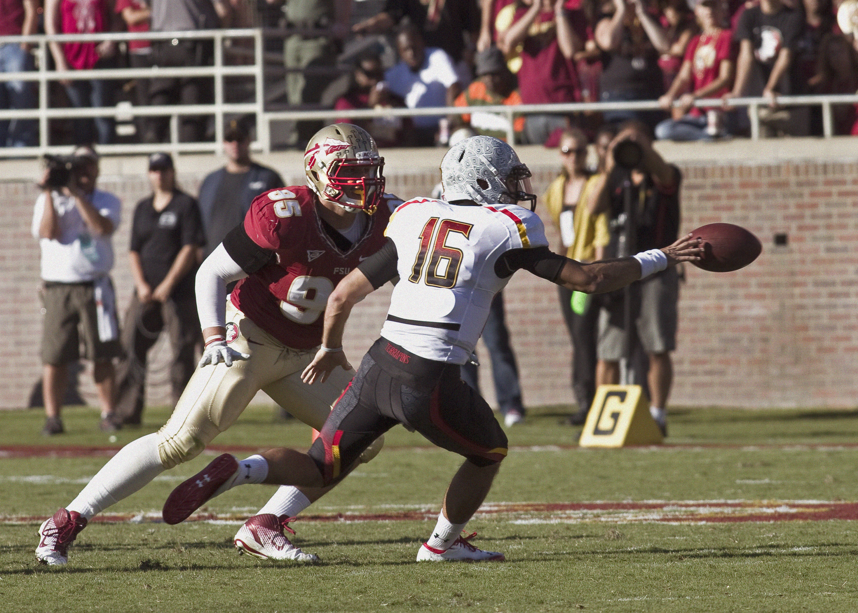 Bjoern Werner (95) maintaining his defensive position. FSU vs Maryland 10/22/1111
