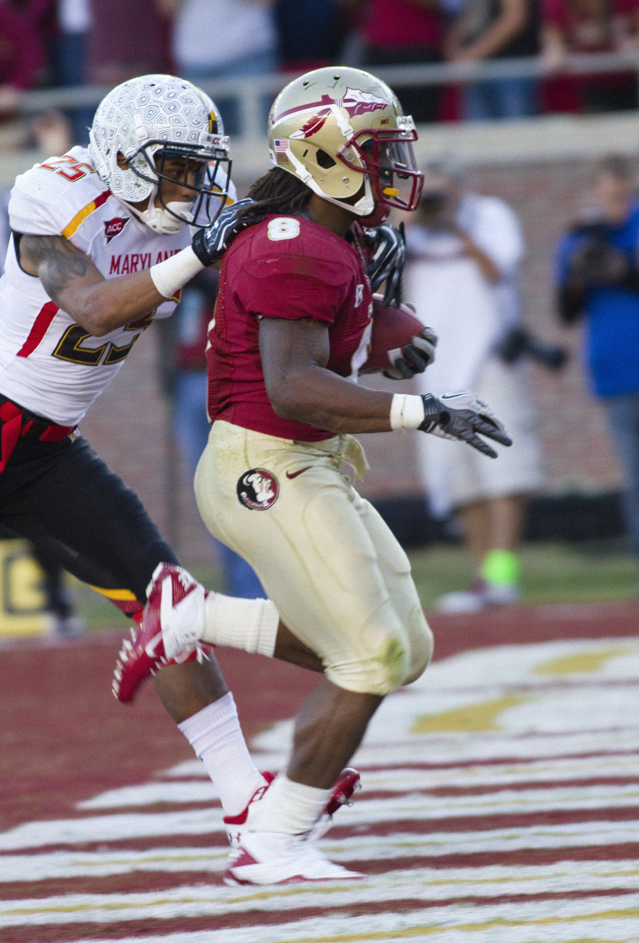 Devonta Freeman (8) finishing a 41 yard touchdown run. FSU vs Maryland 10/22/1111