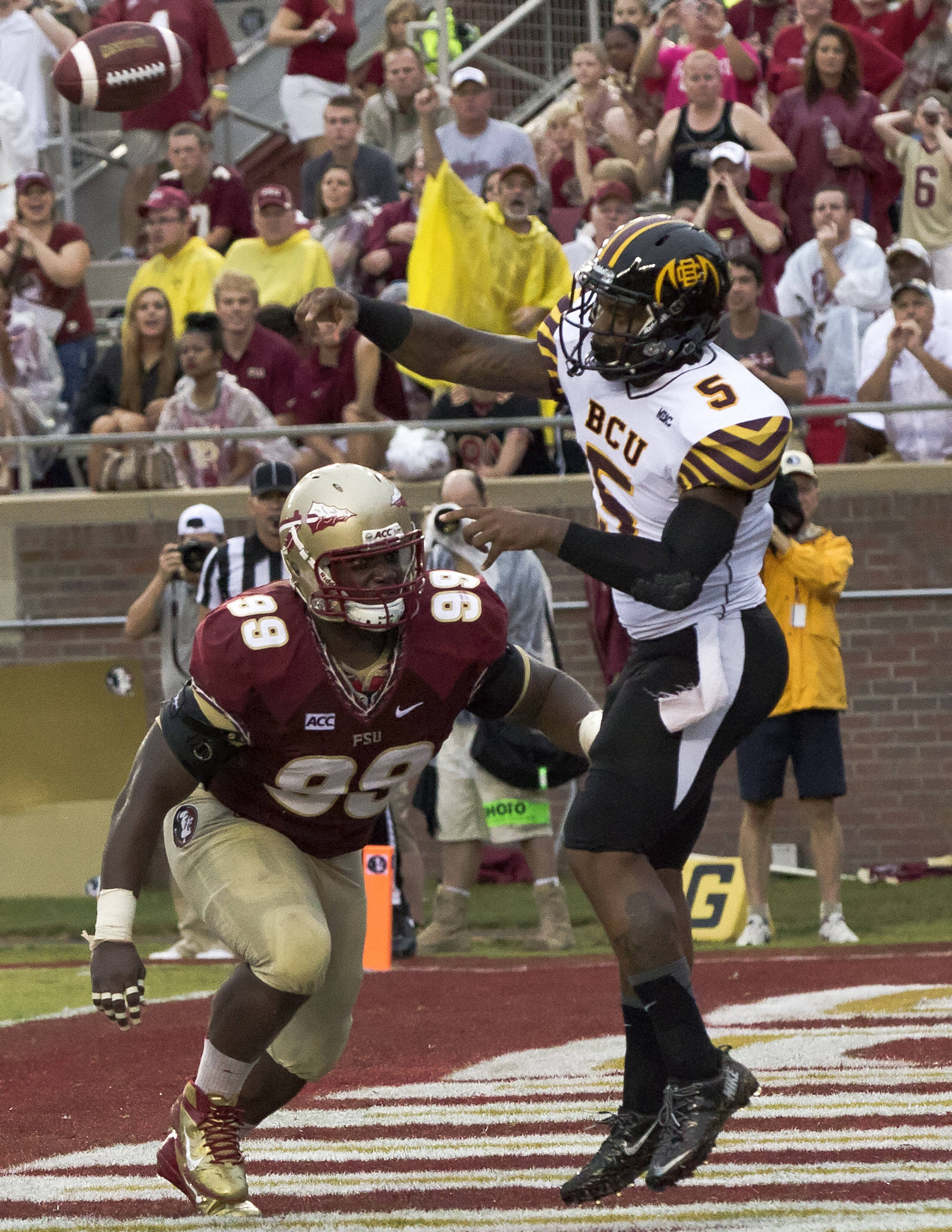 Nile Lawrence-Stample (99), FSU vs Bethune-Cookman,  9-21-13, (Photo by Steve Musco)