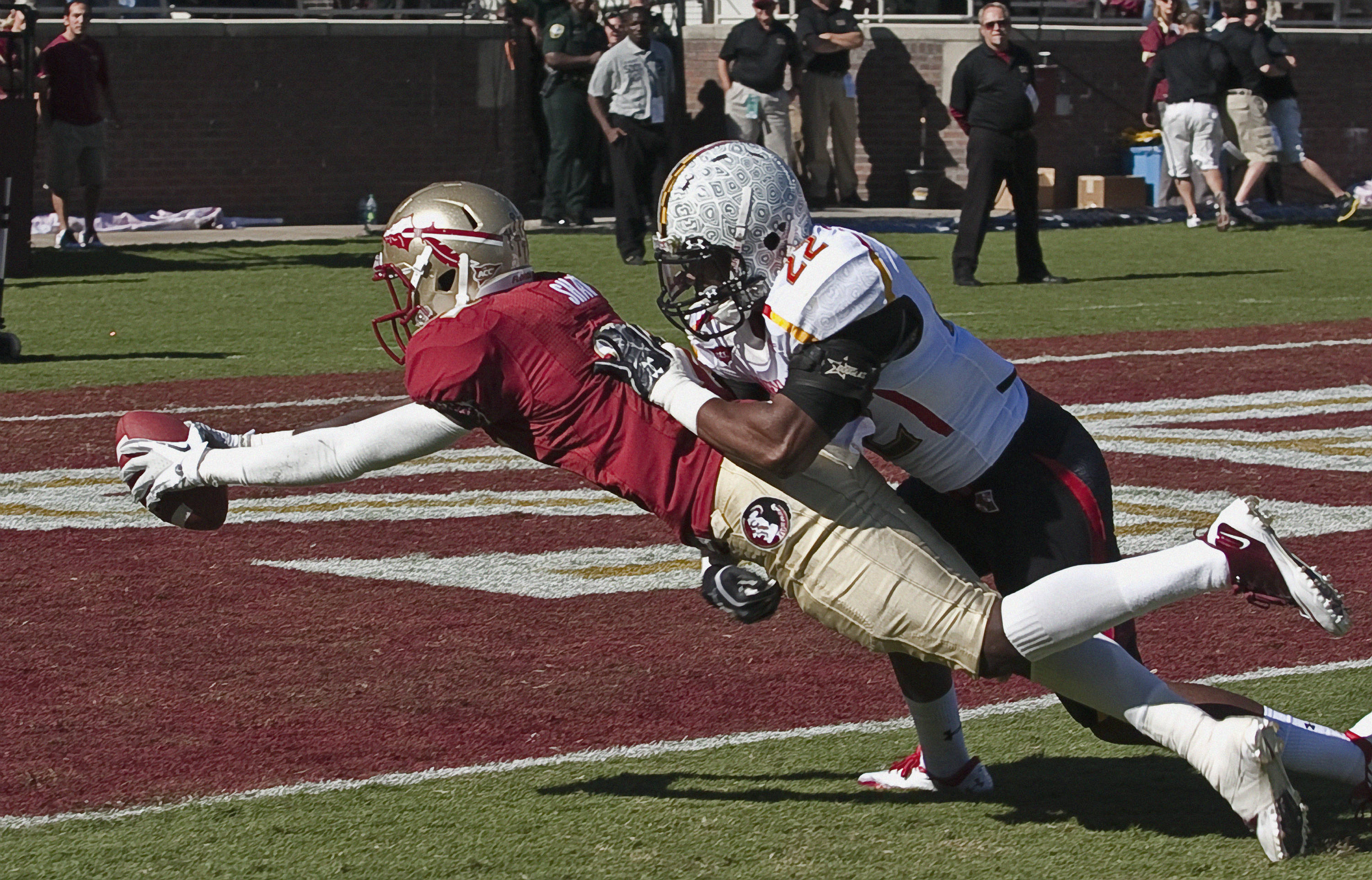 Kenny Shaw (81) lunges for FSU's second touchdown of the afternoon. FSU vs Maryland 10/22/1111