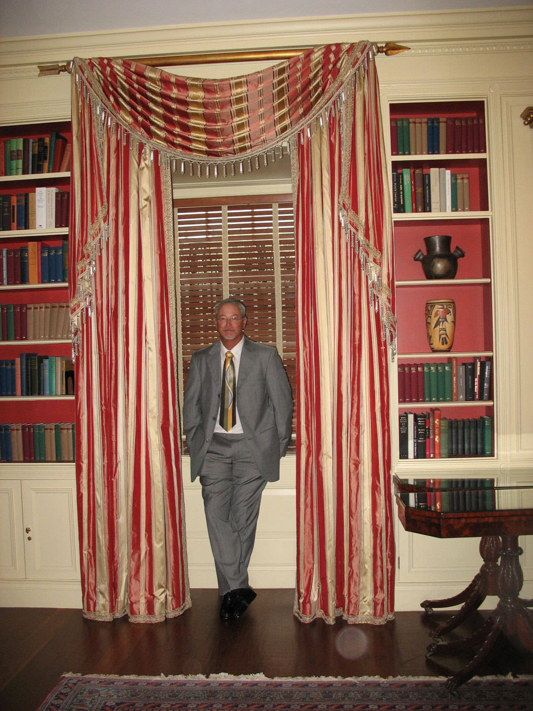 coach dennis nobles in white house