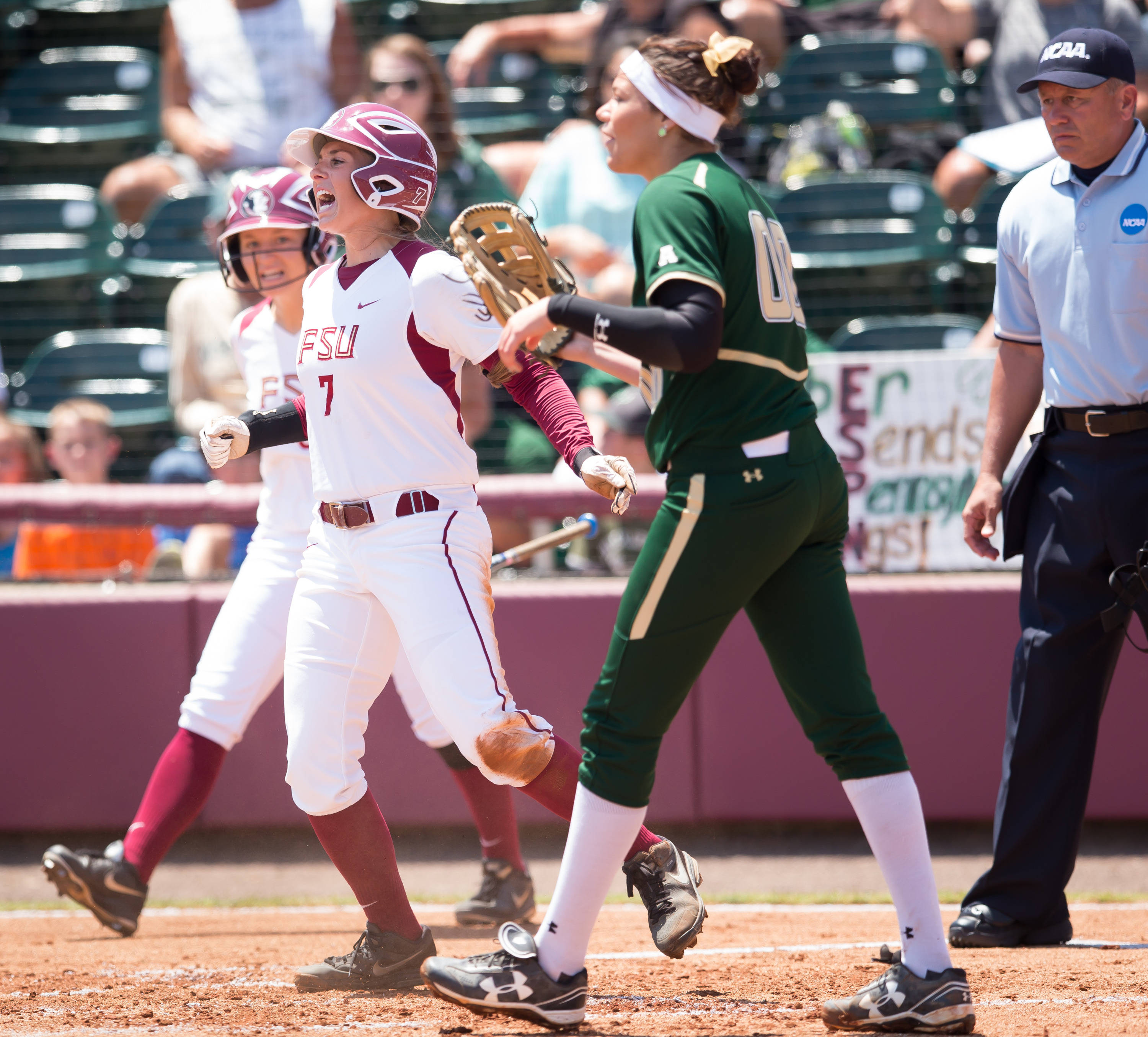 Maddie O'Brien (7) scores FSU's 2nd run.