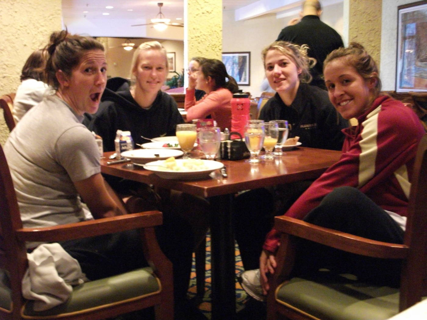 Kimmy Diaz, Ella Stephan, Becky Edwards and Amanda DaCosta at breakfast