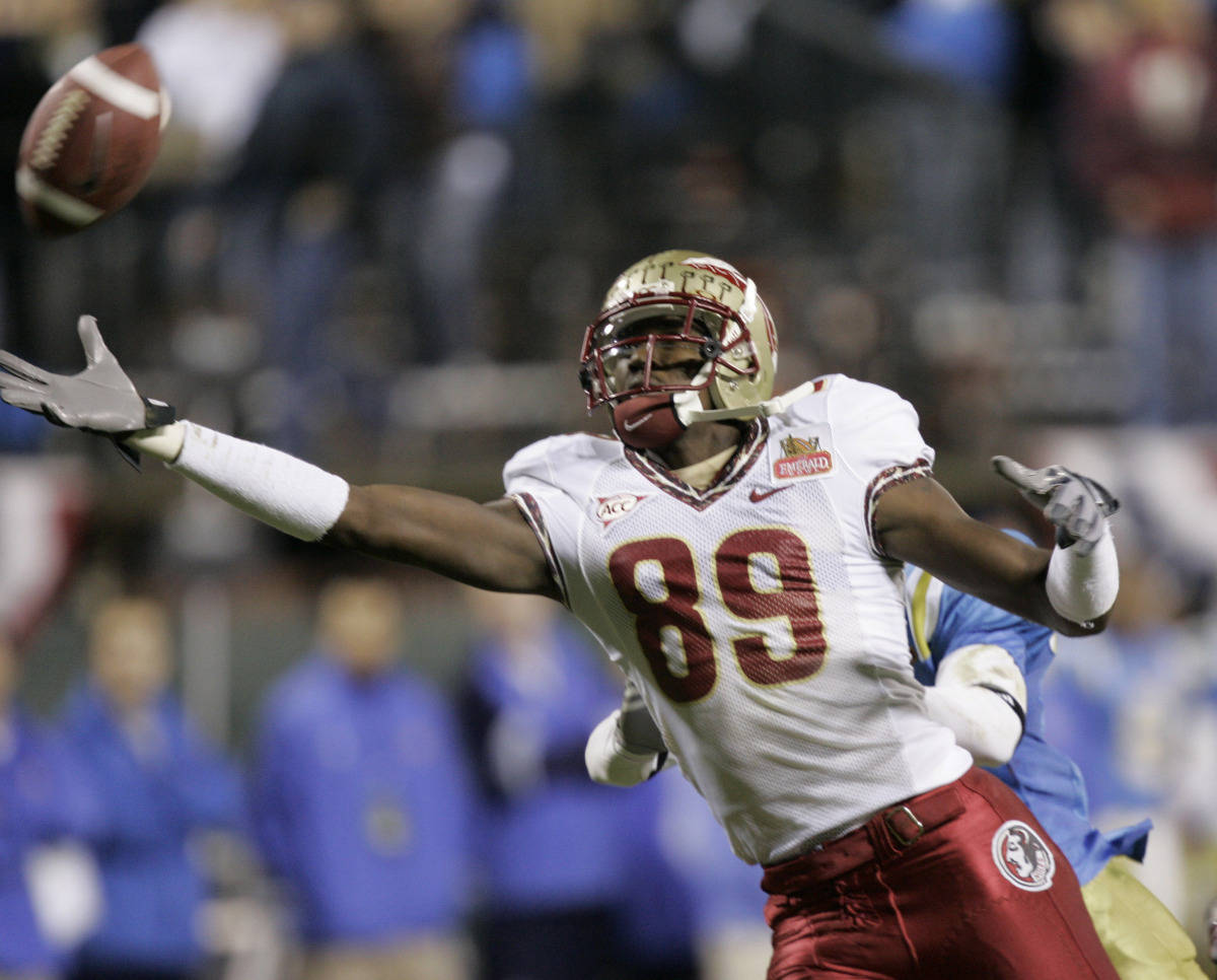 Florida State wide receiver Greg Carr misses a pass in the end zone against UCLA during the first half of the Emerald Bowl college football game in San Francisco, Wednesday, Dec. 27, 2006.(AP Photo/Marcio Jose Sanchez)