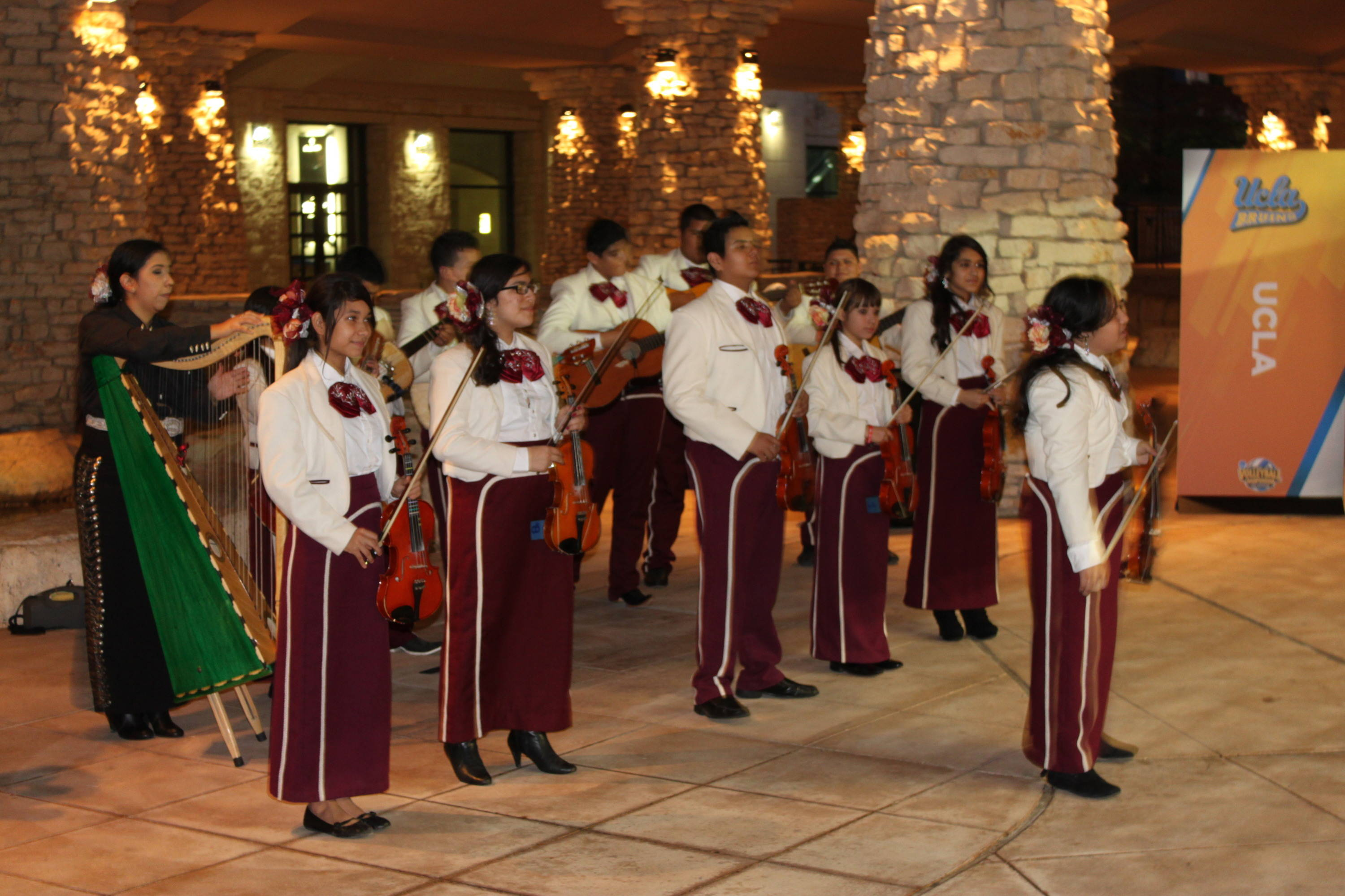 Another mariachi band performs for everyone heading into the banquet. This one is a group from a local middle school.