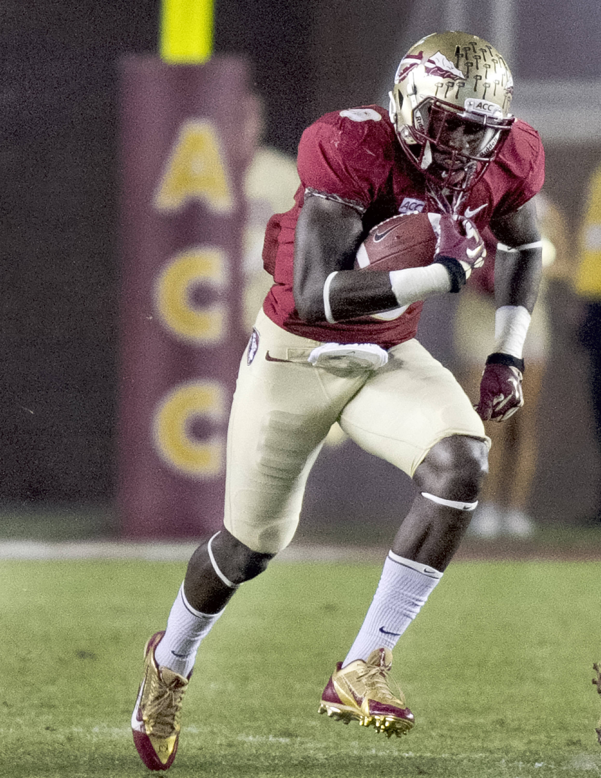 Karlos Williams (9), FSU vs Idaho, 11-23-13,  (Photo by Steve Musco)