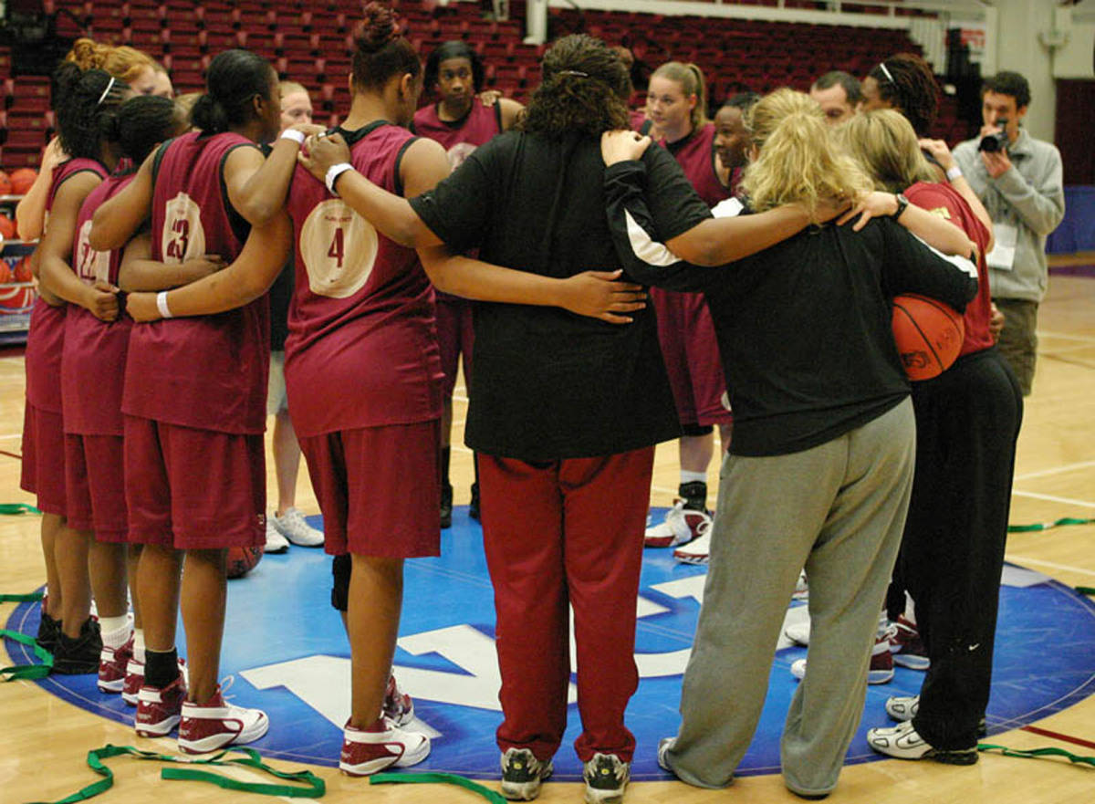 The Seminoles talk about their game plan before Sunday's practice.