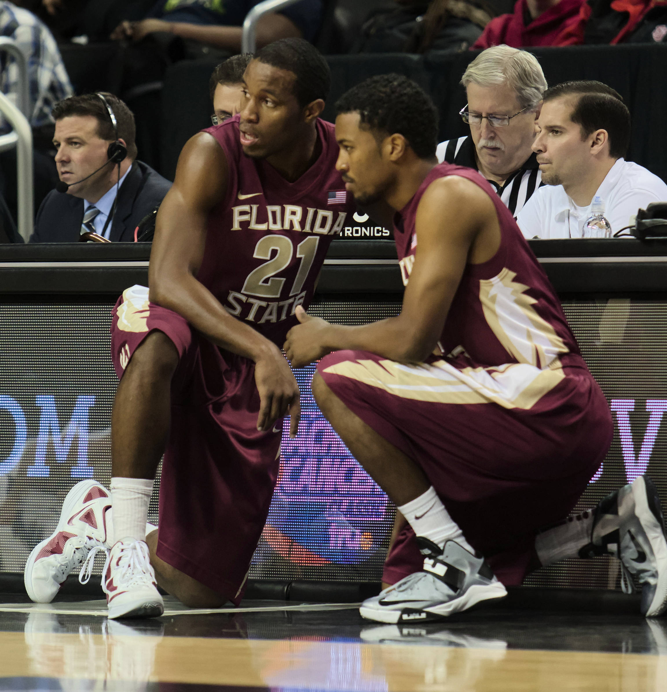 Michael Snaer (21), Devon Bookert (1), FSU vs BYU, 11/16/12. (Photo by Steve Musco)