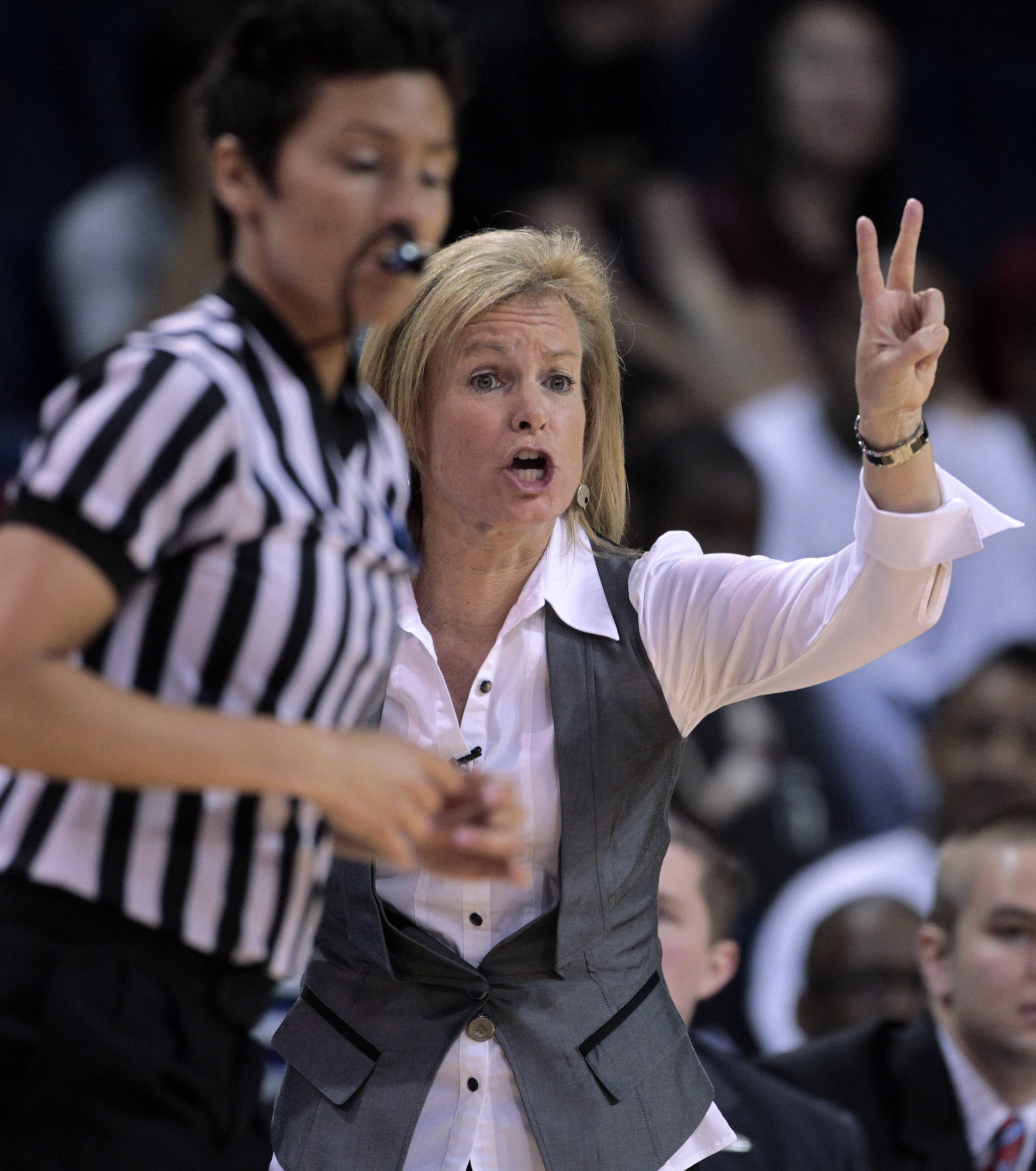Florida State coach Sue Semrau yells instructions in the first half. (AP Photo/Dave Martin)