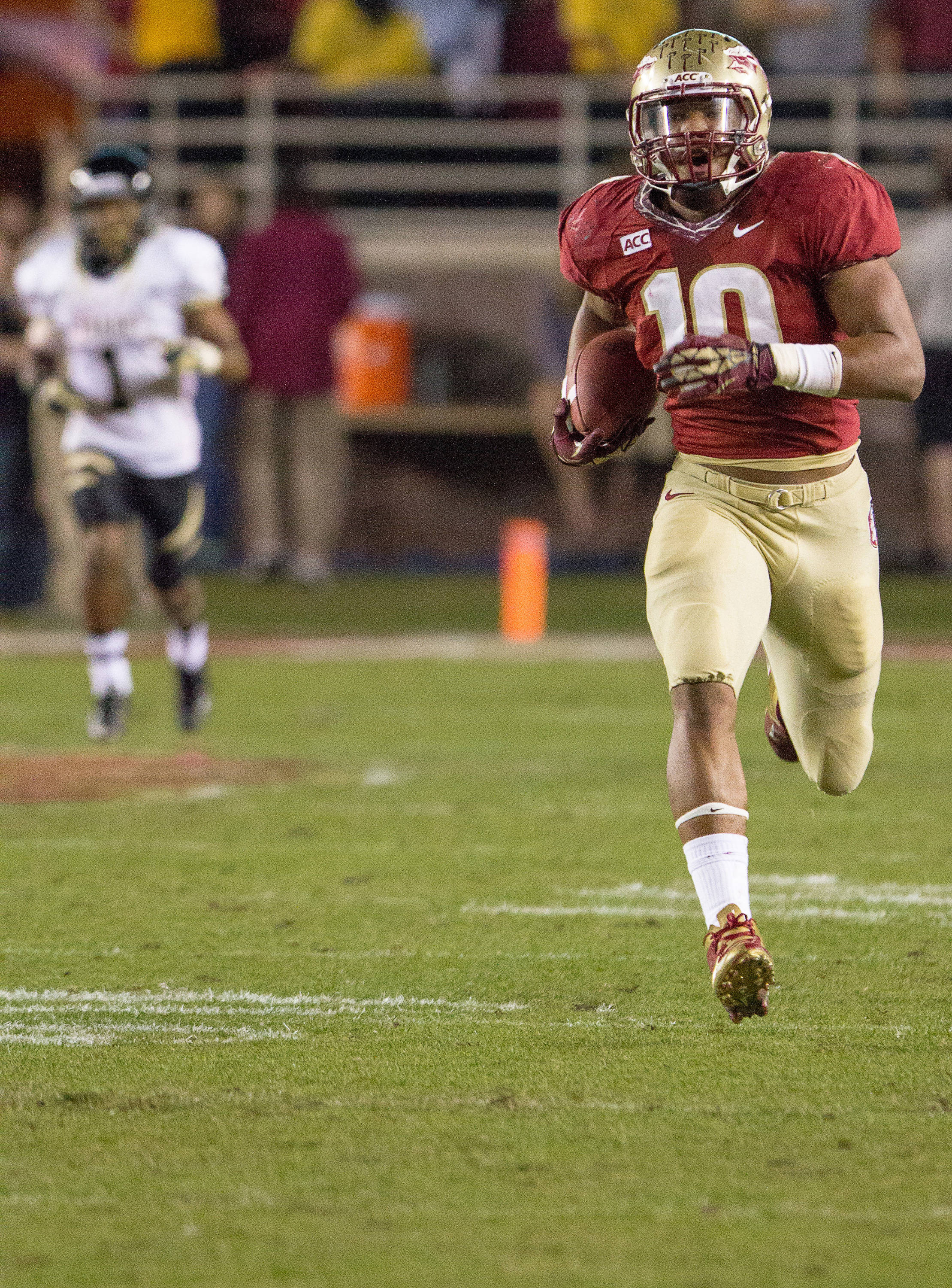 E.J. Levenberry (10) leaves a defender far behind him during FSU Football's 80-14 victory over Idaho in Tallahassee, Fla on Saturday, November 23, 2013. Photos by Mike Schwarz.