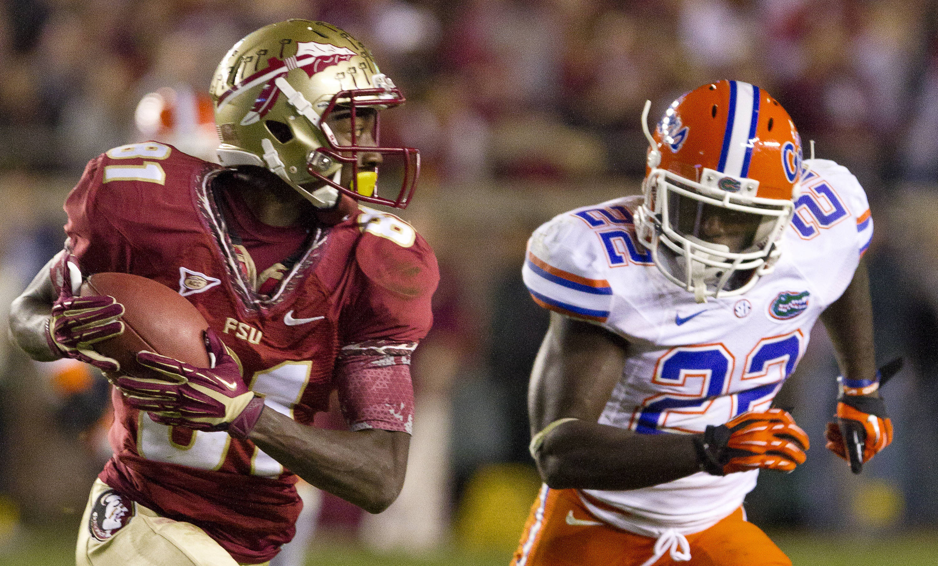 Kenny Shaw (81) carries the ball during FSU Football's game against UF on Saturday, November 24, 2012 in Tallahassee, Fla.