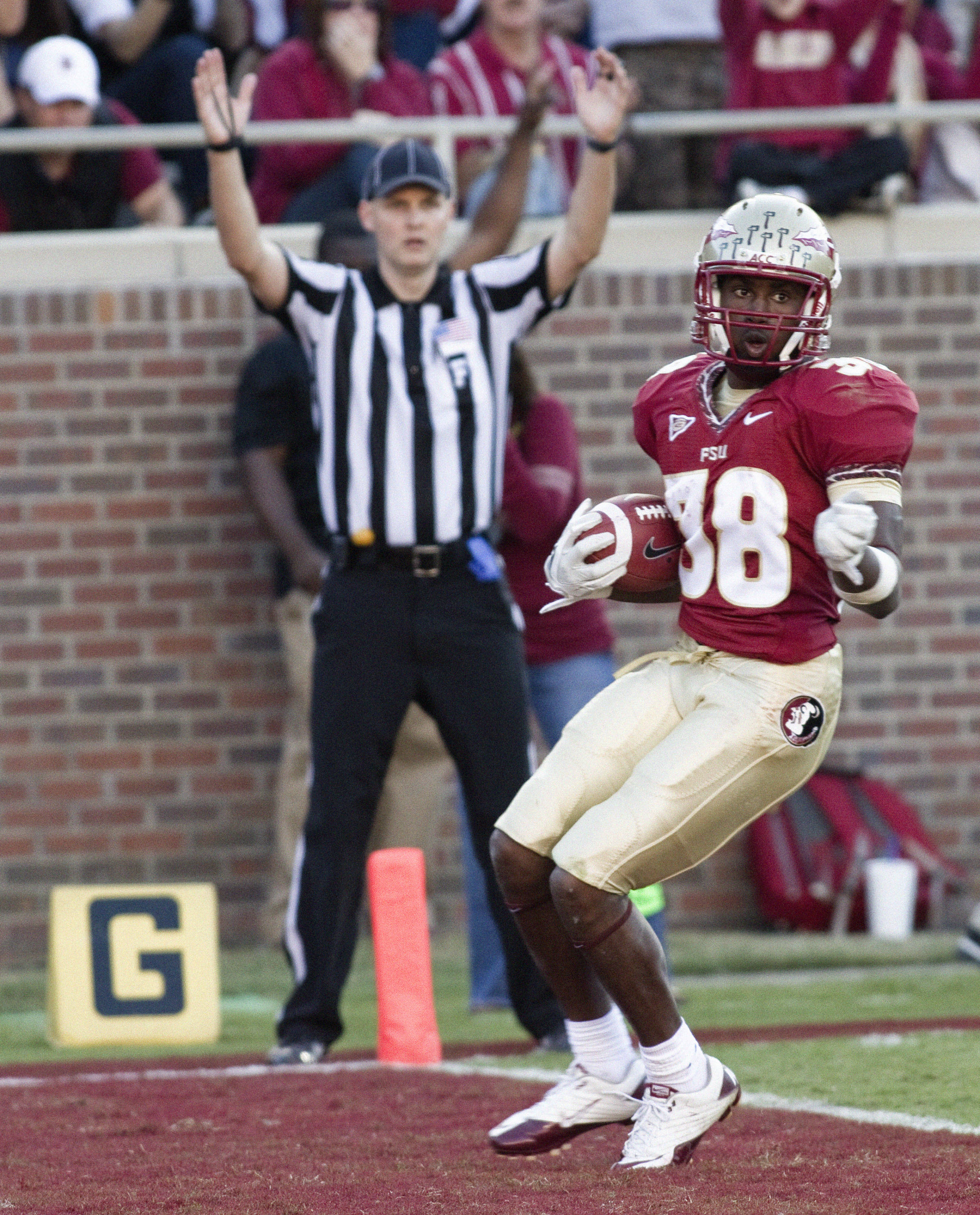 Jermaine Thomas (38) scoring. FSU vs Maryland 10/22/1111