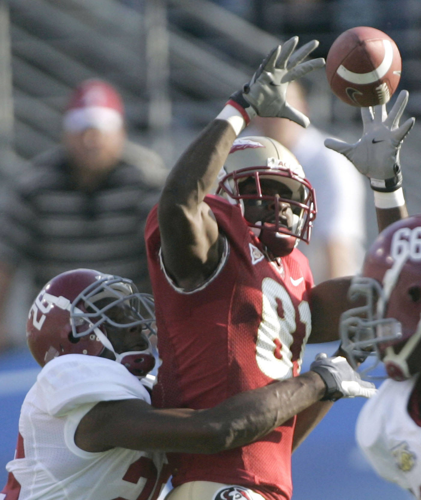 Florida State running back Antone Smith makes a first-quarter catch. (AP Photo/Phil Coale)