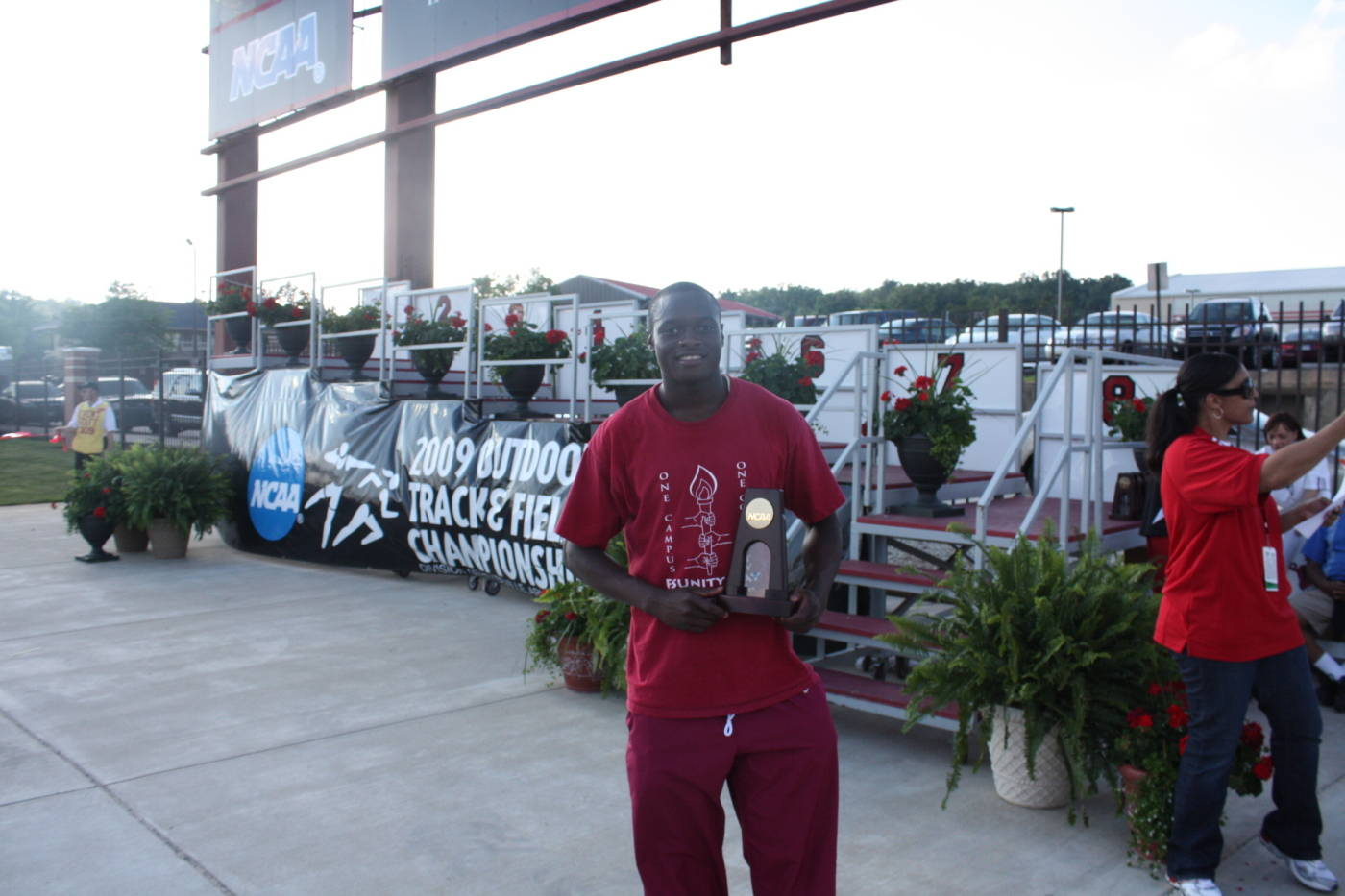 Ngoni Makusha and his national championship award.