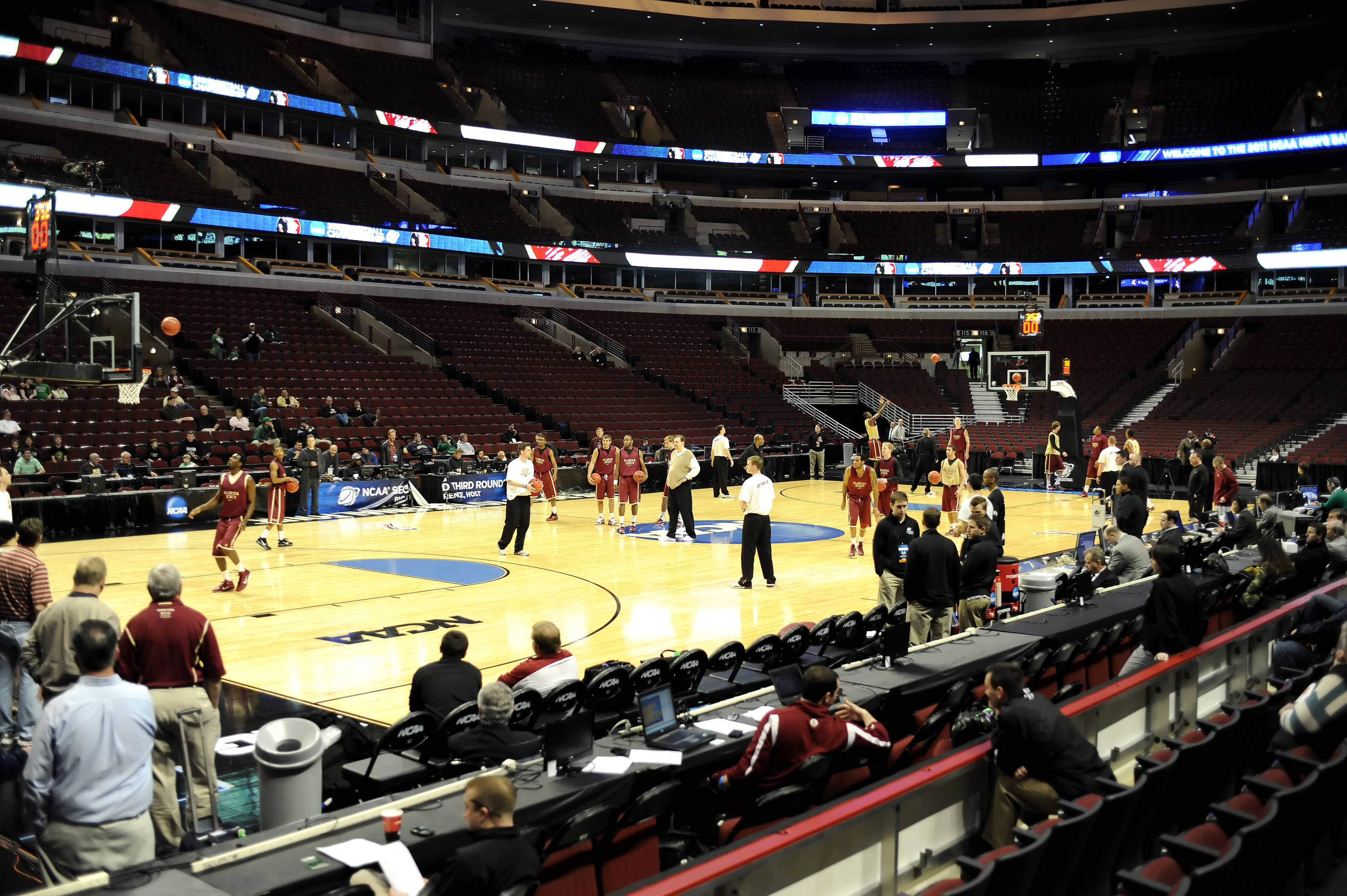 The Seminoles practiced in front of fans and media at the United Center