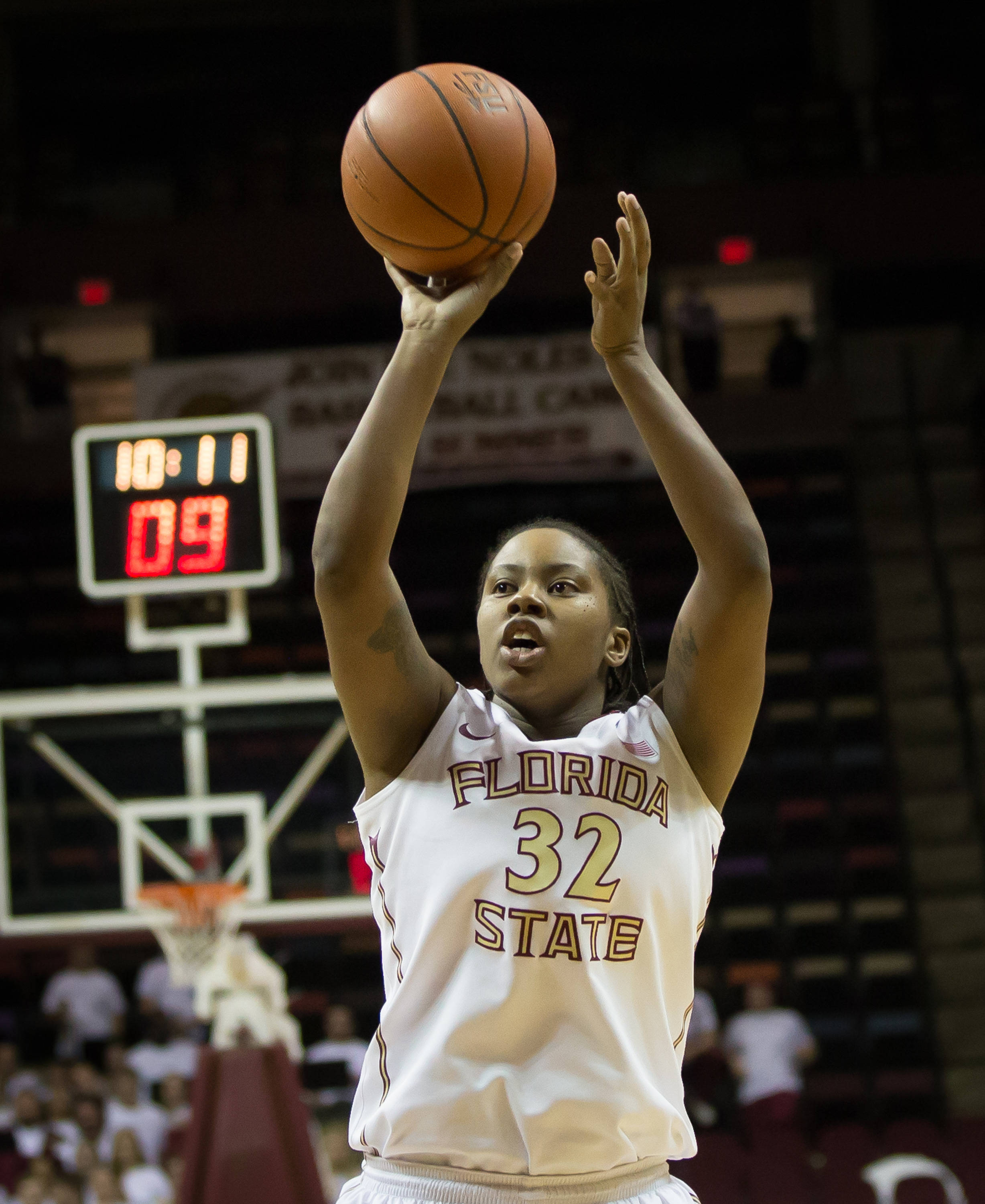 Lauren Coleman (32) contributed 5 points for the victorious Seminoles.