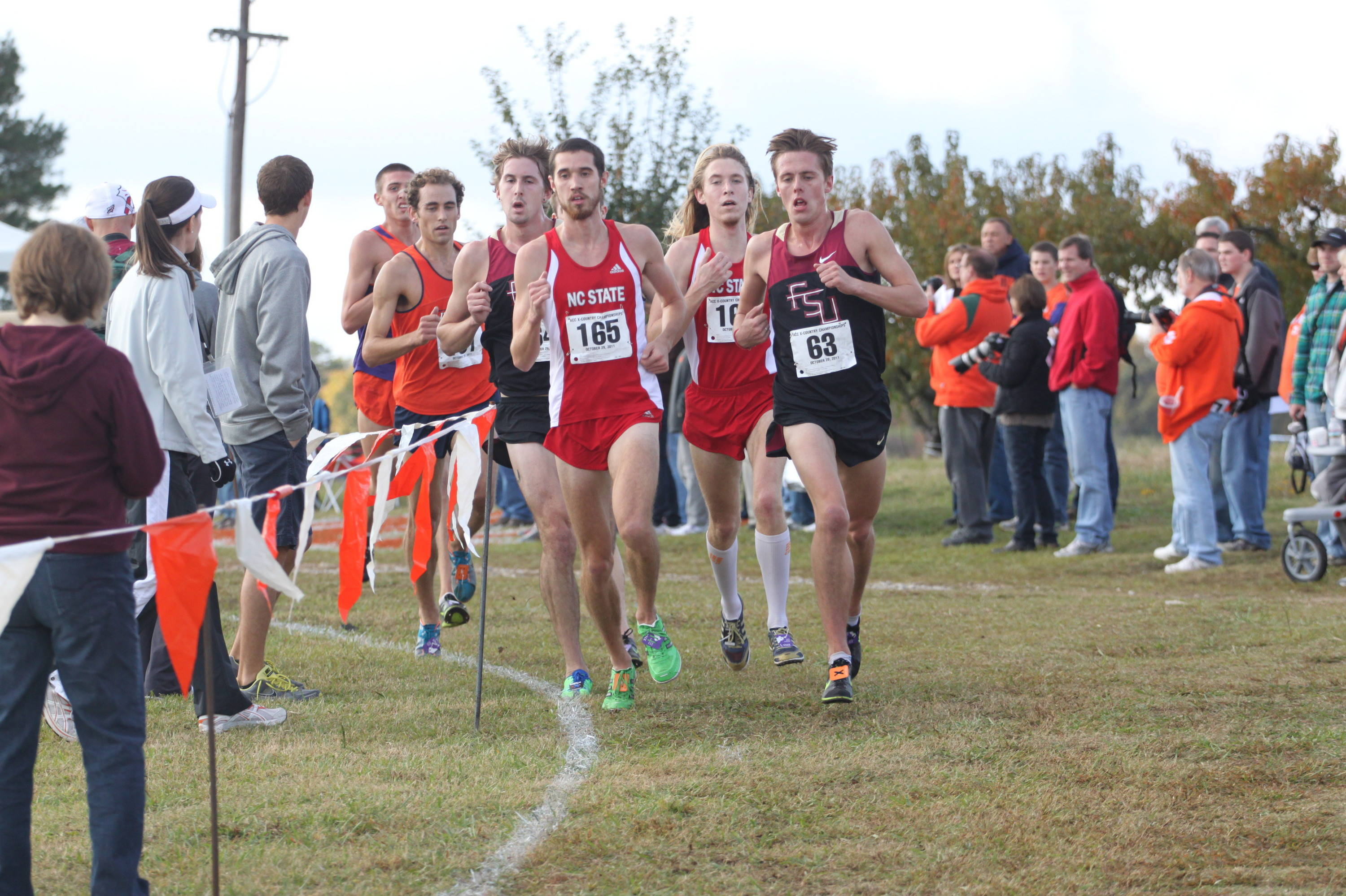 David Forrester (63)and NC State's Ryan Hill (165)pace a lead pack of six late in the race.