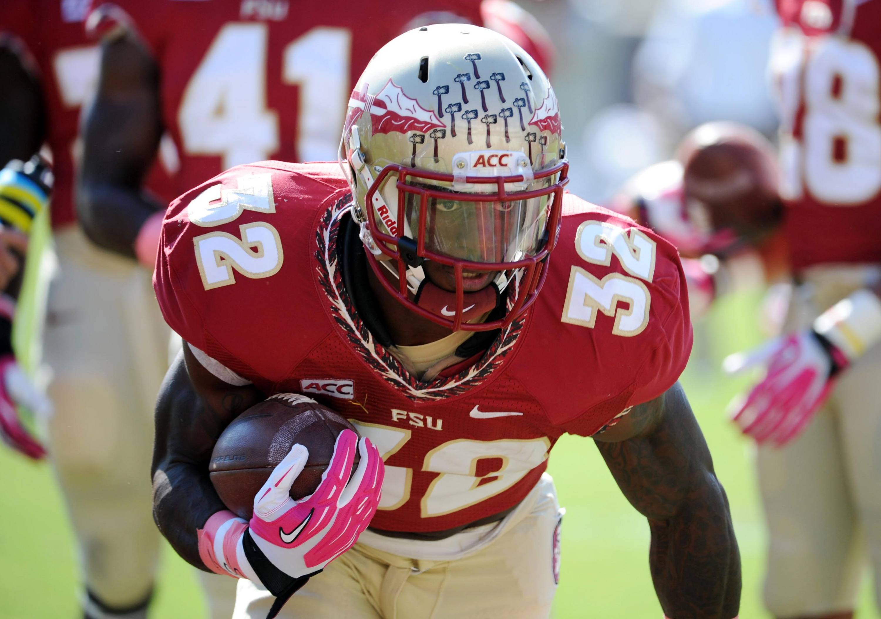Seminoles running back James Wilder Jr. (32) warms up before the start of the game. Mandatory Credit: Melina Vastola-USA TODAY Sports