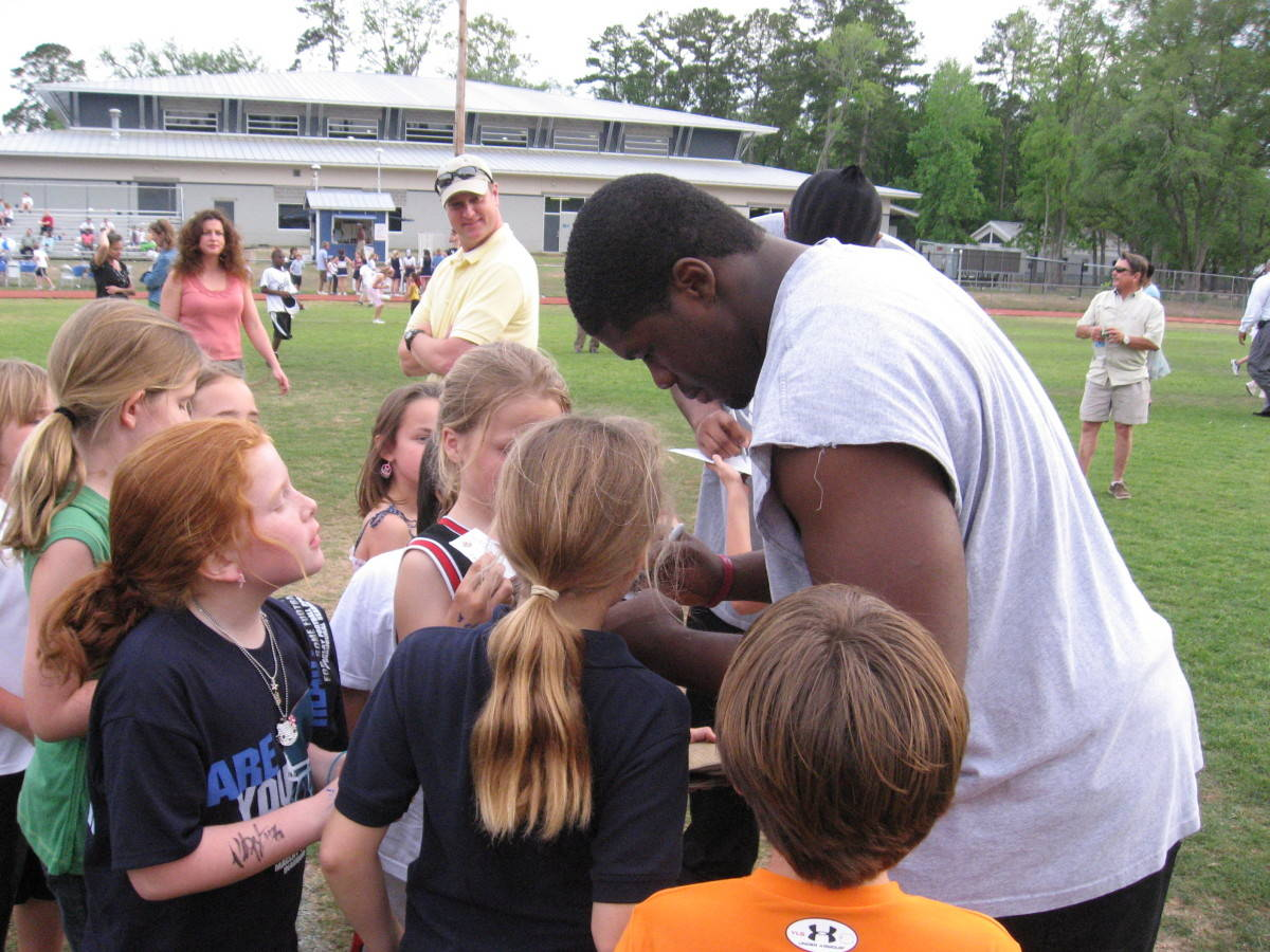 FSU Football Players Attend Goal Post Ceremony at Maclay High School
