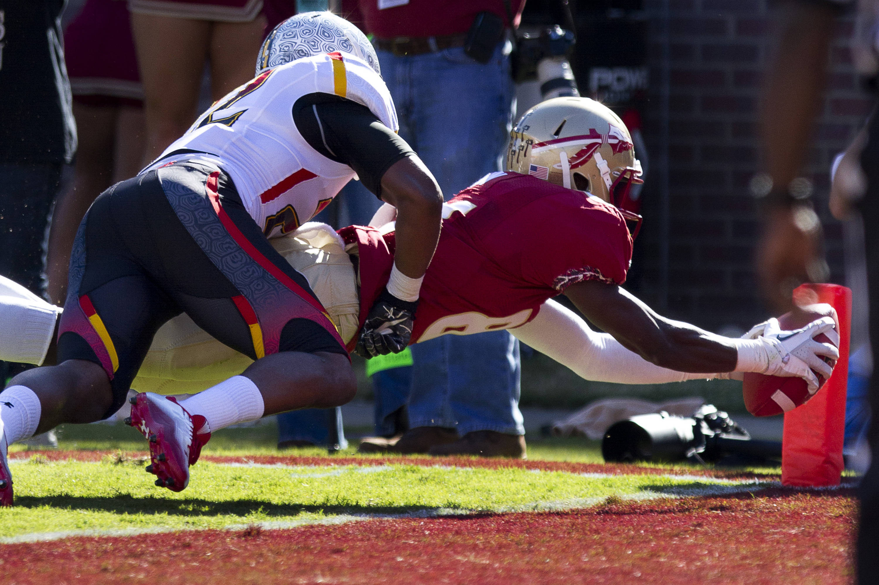 Kenny Shaw (81) dives into the endzone during the football game against Maryland in Tallahassee, Florida on October 22, 2011.