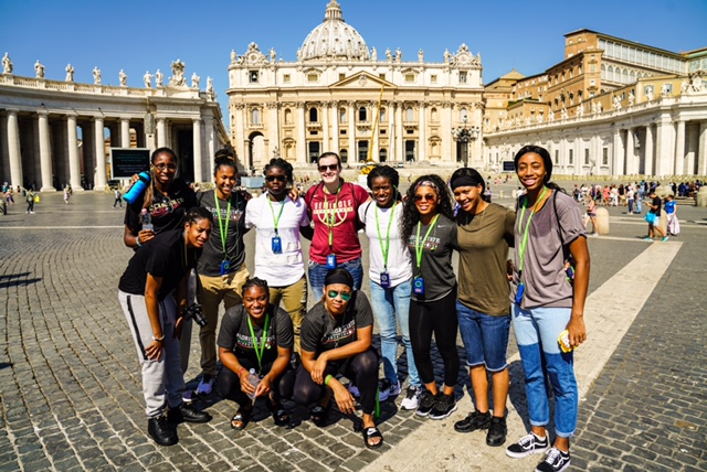 Photo Gallery: Garnet and Global in Rome