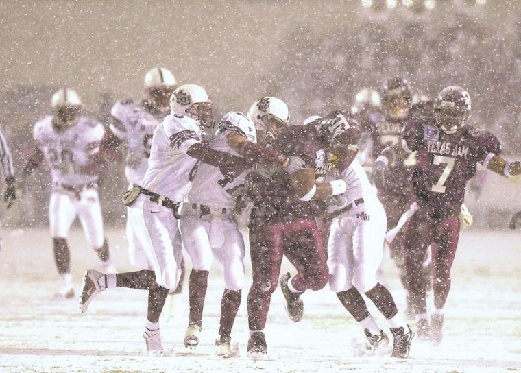 FSU's Pfeil Has Chilly Memories Of Infamous 'Snow Bowl'