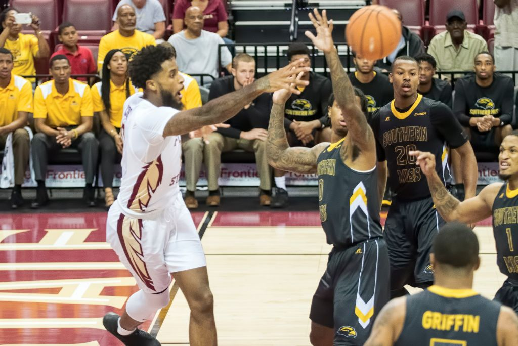 Men's Basketball vs. Southern Miss Photo Gallery