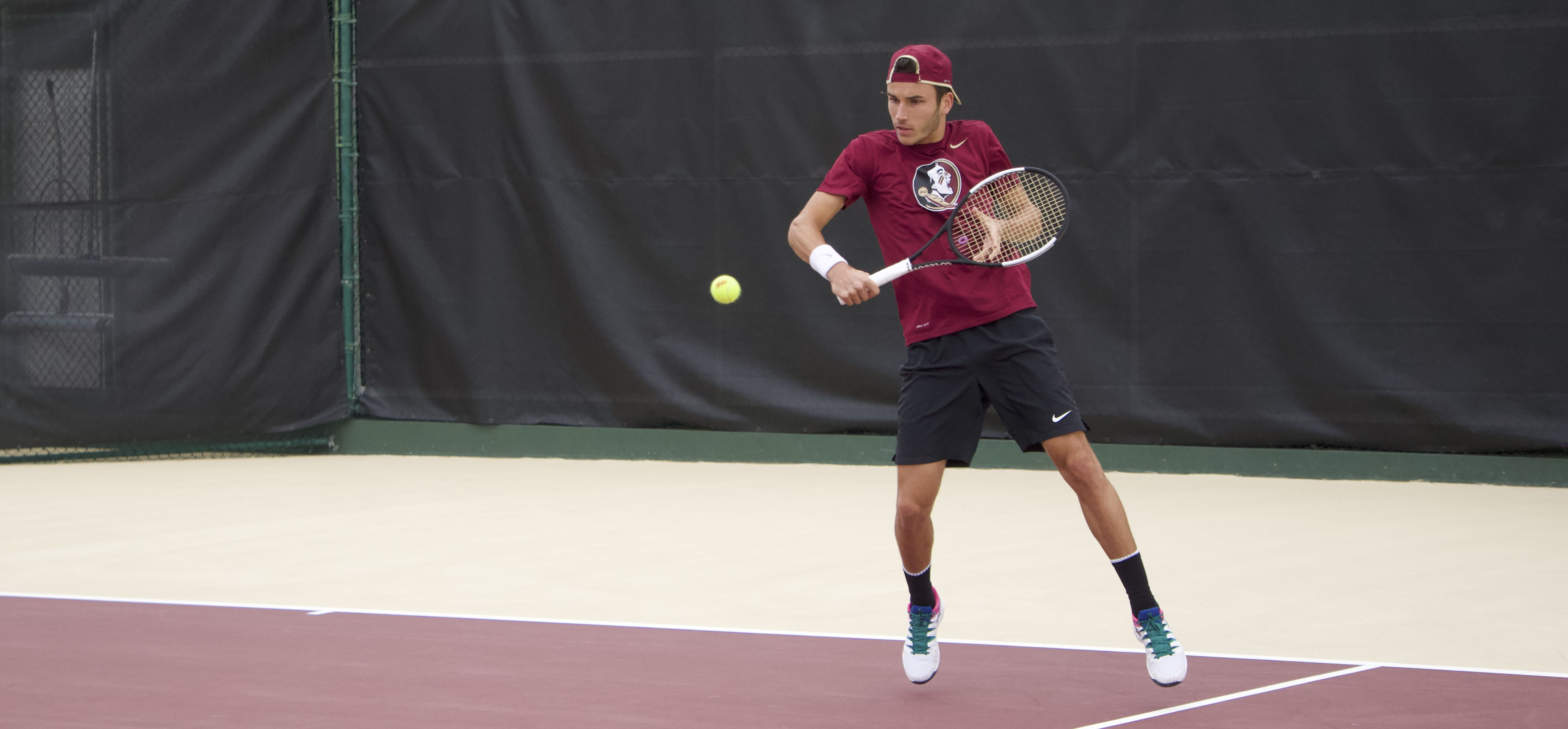 Men's Tennis Wins a Thriller over No. 21 Mississippi State 5-2