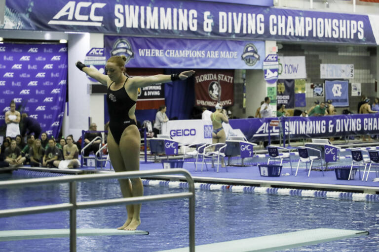 Molly Carlson in the women's 1M final