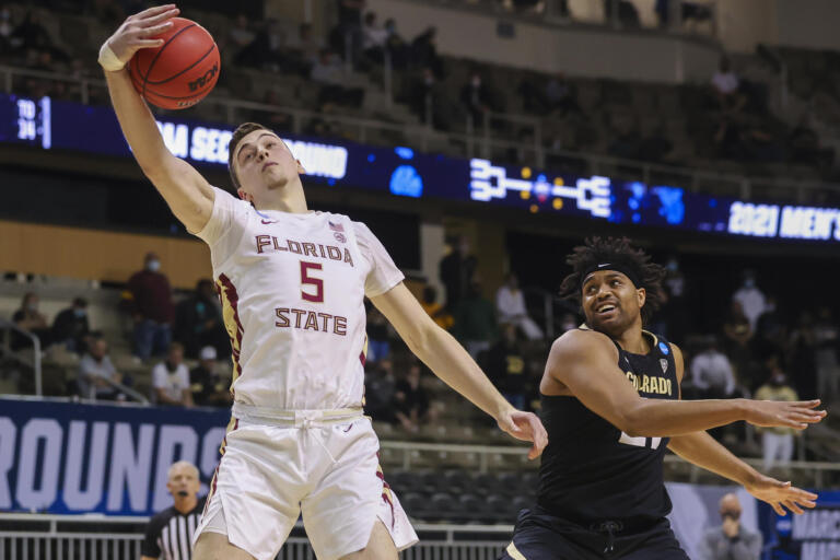 SWEET 16 Here We Come: Photo Gallery
